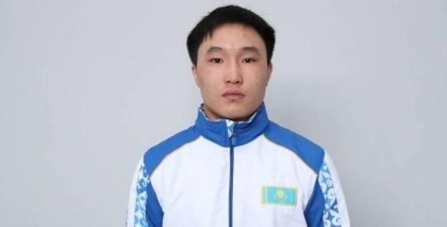Призер молодежного ЧМ из Казахстана назвал узбекского боксера своим главным конкурентом на Азиаде