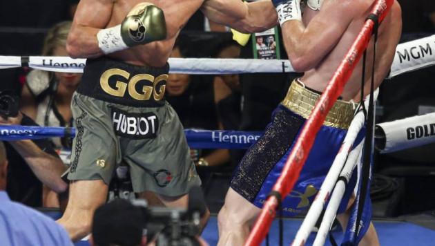 """В бою с Головкиным я впервые увидел, что """"Канело"""" отступал от противника - экс-чемпион в четырех весах"""