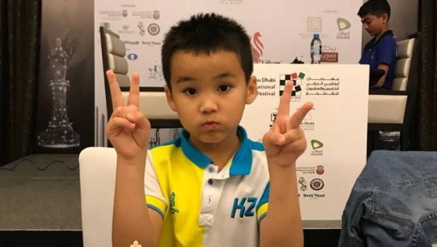 Семилетний чемпион мира по шахматам из Казахстана одержал победу на крупном турнире в ОАЭ