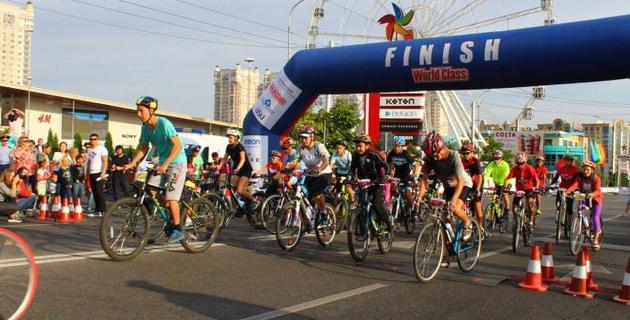 В Алматы стартовала юбилейная любительская велогонка Tour Of World Class