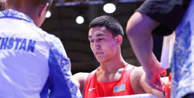 Боксер-знаменосец сборной Казахстана стартовал с победы на Азиаде-2018