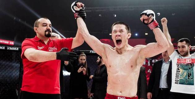 Казахстанец Жумагулов отобрал у бойца отца Нурмагомедова титул чемпиона Fight Nights