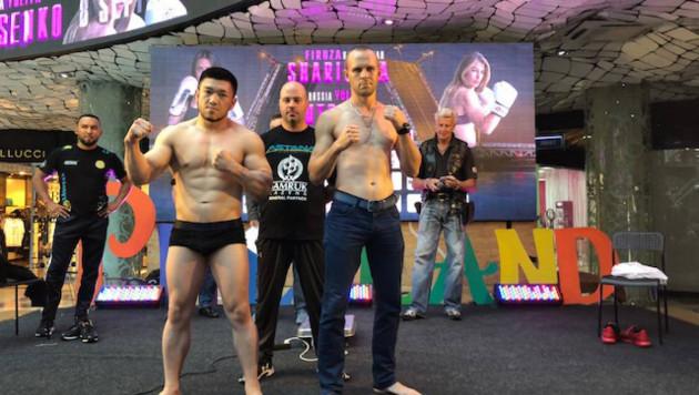Казахстанский боксер за полторы минуты нокаутировал соперника и выиграл второй бой в профи