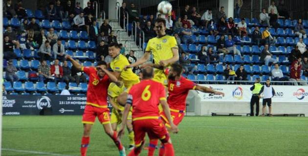 Какая зарплата должна быть у футболистов в Казахстане
