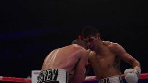 Казахстанец из GGG Promotions впервые проиграл в карьере после рассечения мексиканского соперника