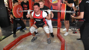 Чемпионат Казахстана по пауэрлифтингу прошел в память о Денисе Тене