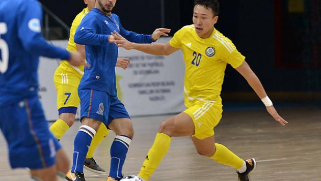 Сборная Казахстана по футзалу победила Азербайджан в товарищеском матче в Баку