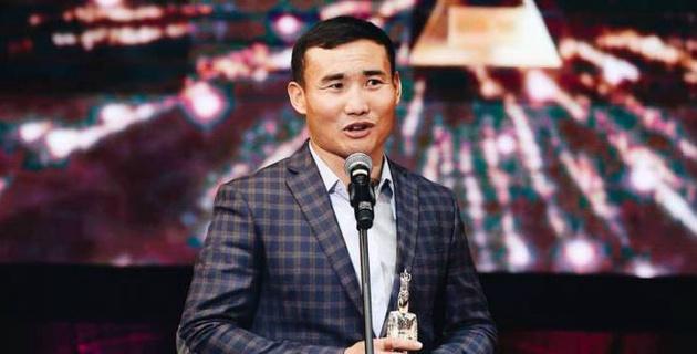 Канат Ислам завершил карьеру? Казахстанский боксер объяснил информацию на BoxRec