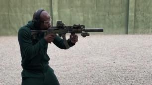 Мейвезер приехал в Чечню и пострелял из винтовки