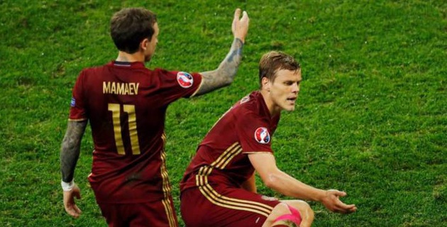 Российским футболистам Кокорину и Мамаеву за драку с чиновником предрекли спортивное забвение