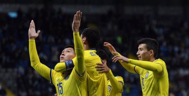 Сборная Казахстана разгромила Андорру в матче с удалением и одержала первую победу в Лиге наций