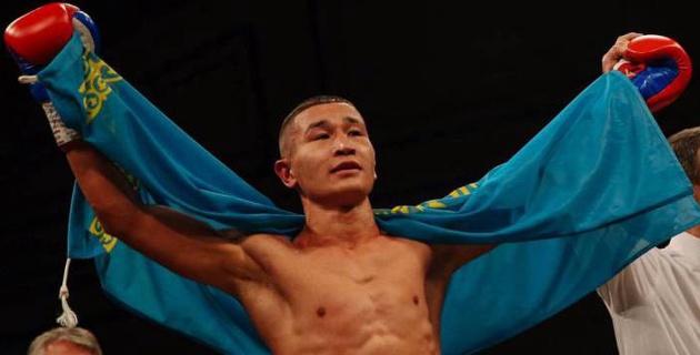 Казахстанский боксер из компании Фьюри и Сондерса дебютировал с победы в профи