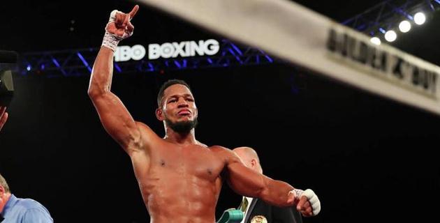 Баррера вернулся после поражения от Бивола и победил единогласным решением судей