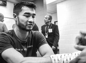 Эксперт назвал бой проигравшего казахстанца лучшим в андеркарте и оценил его перспективы