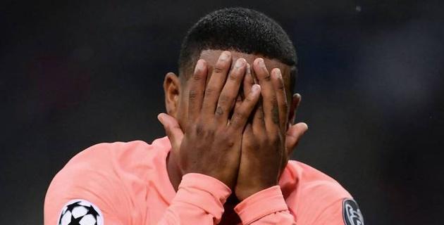 """Новичок """"Барселоны"""" забил первый гол в дебютном матче Лиги чемпионов и расплакался"""