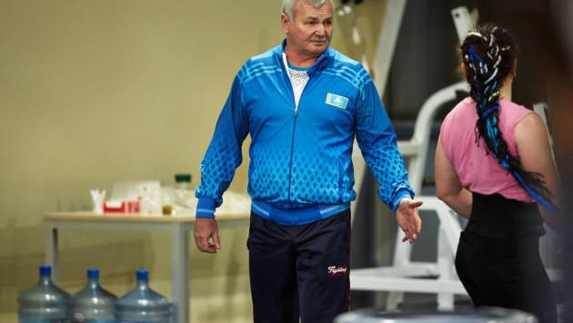 Почему не выиграли Рахимов с Чиншанло и кому нужен психолог? Тренер сборной Казахстана - о промежуточных итогах ЧМ по тяжелой атлетике