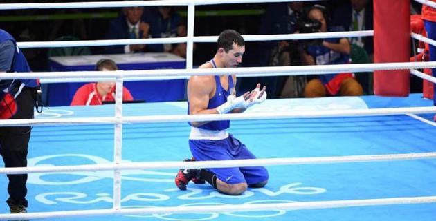 Двукратный призер ОИ из Казахстана объяснил решение завершить карьеру боксера и назвал сменщика в сборной