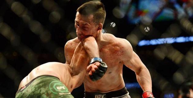 """Боец UFC раскрыл секрет победного удара против """"Корейского зомби"""" на последней секунде боя"""