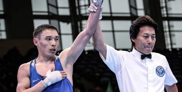 Четырехкратный чемпион Казахстана по боксу Жусупов вышел в 1/4 финала первенства страны