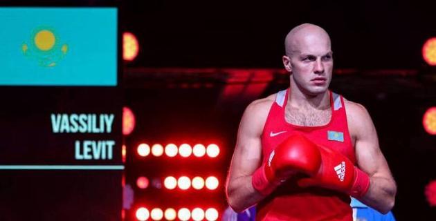 Василий Левит отправил в нокдаун молодого боксера и вышел в 1/4 чемпионата Казахстана