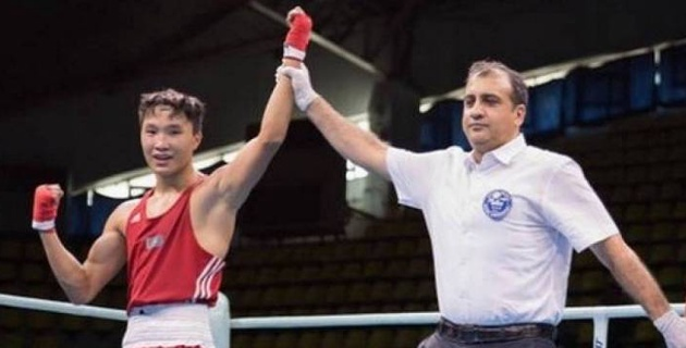 Зарубежные судьи вновь пересмотрели результат боя на чемпионате Казахстана по боксу и вывели в финал проигравшего