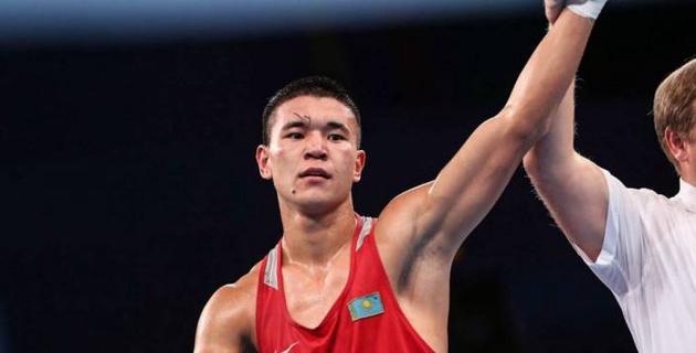 Жусупов отправил Шымбергенова в нокдаун и победил в бою за титул чемпиона Казахстана