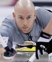 Олимпийский чемпион по керлингу устроил пьяный дебош на льду во время соревнований
