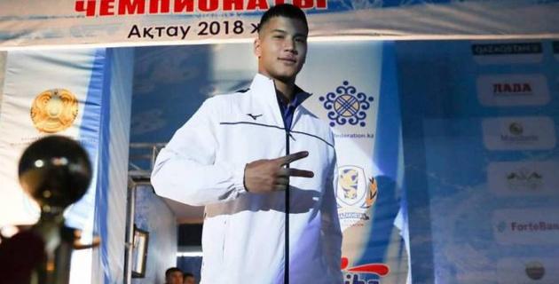 20-летний казахстанский супертяж рассказал о пересмотре результата боя на ЧРК и своей мечте
