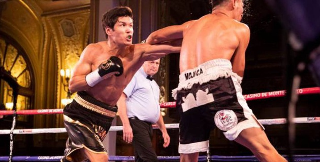 Видео боя, или как Елеусинов трижды отправил соперника в нокдаун и нокаутировал его