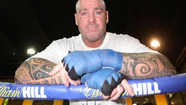 Бывший чемпион мира в супертяжелом весе брутально нокаутировал соперника мощным апперкотом