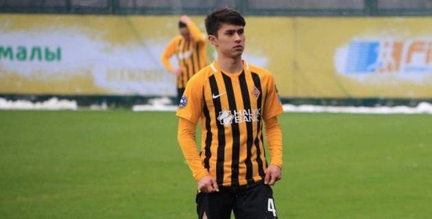 Футболист молодежной сборной Казахстана подписал контракт с российским клубом