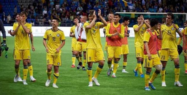 Сборная Казахстана потеряла три позиции в рейтинге ФИФА