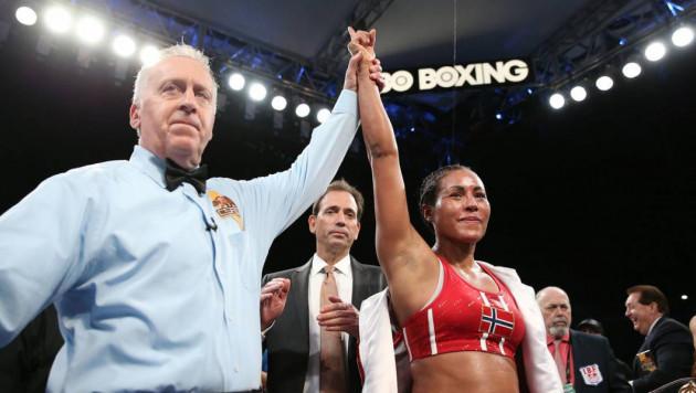 Последний вечер бокса на HBO. Абсолютная чемпионка мира и двукратная победительница ОИ одержали победы
