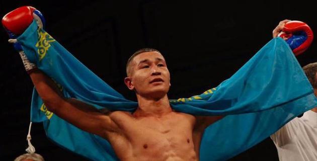 Казахстанец из компании Сондерса и Фьюри победил нокаутом в первом раунде