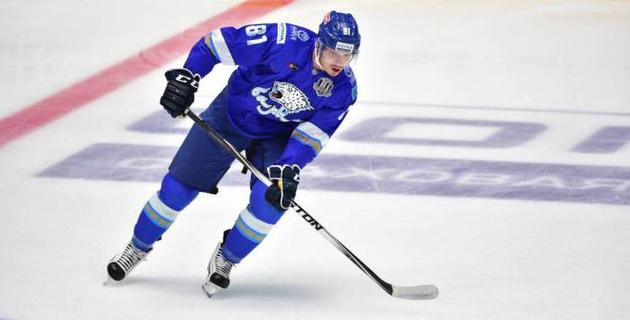 """Казахстанский нападающий с опытом игры в НХЛ нашел новый клуб после ухода из """"Барыса"""""""