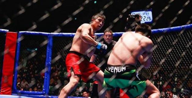 Казахстанец проиграл экс-бойцу Bellator поединок за пояс американского промоушена