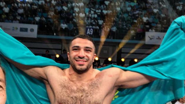 Казахстанский тяжеловес нокаутировал соперника в концовке и выиграл восьмой бой в профи