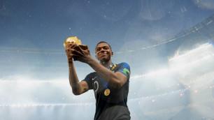 Самый дорогой футболист мира получил очередную награду