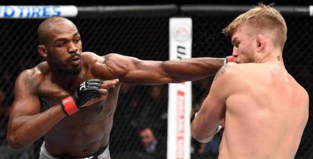 Джонс нокаутировал Густафссона в реванше и вернул себе титул чемпиона UFC