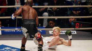 Видео боя, в котором Мейвезер трижды за две минуты отправил японскую звезду на настил ринга