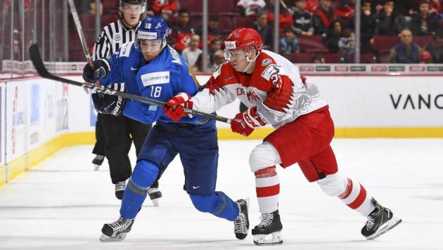 Сборная Казахстана по хоккею одержала первую победу на молодежном чемпионате мира