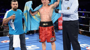 Казахстанец победил в главном событии вечера бокса в США