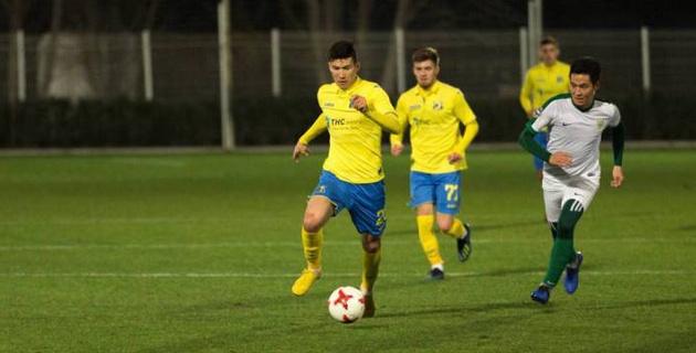 Футболист сборной Казахстана Зайнутдинов получил игровой номер в российском клубе