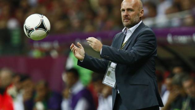 Забивал на ЧМ-1990, играл в Ла Лиге и работал на Евро-2012. Что нужно знать о новом тренере сборной Казахстана