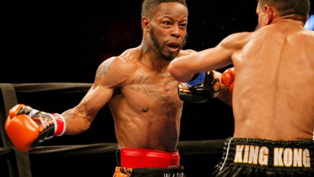 Битый Жакияновым американец проиграл бой за вакантный пояс WBC в легчайшем весе