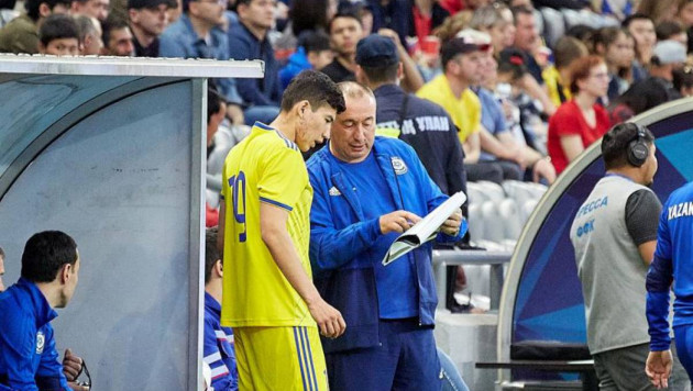 Стойлов дал совет футболисту сборной Казахстана для удачной карьеры в российском клубе