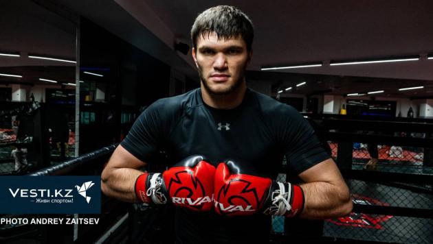 Непобежденный казахстанский нокаутер из команды Головкина вошел в ТОП-15 рейтинга WBC