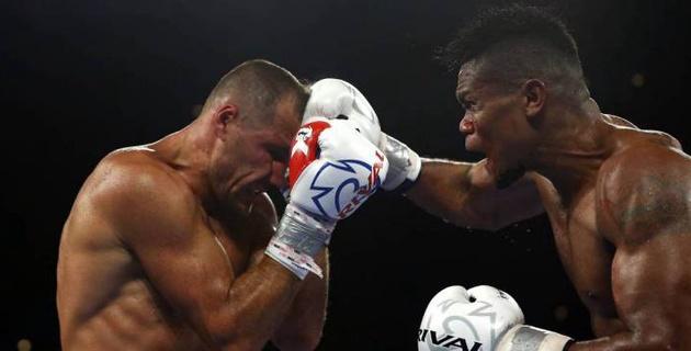 Видео боя-реванша, в котором Ковалев победил Альвареса и снова стал чемпионом мира