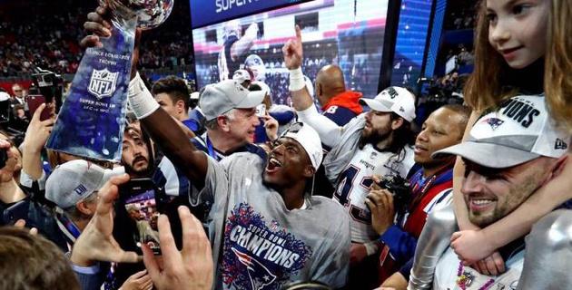 """""""Нью-Инглэнд"""" победил """"Лос-Анджелес"""" и выиграл Супербоул шестой раз в истории"""