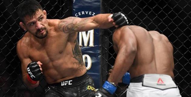 Проигравший два боя подряд в UFC бразилец вызвал Конора МакГрегора на поединок